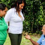 Con promoción de lectura, Corcumvi alegra la vida de adultos mayores
