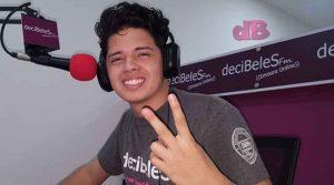 Javier Vanegas, Integrante del Magazín Decibeles y Show en Línea