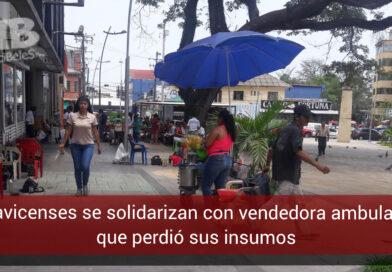 Ciudadanos 'hicieron vaca' para ayudar a vendedora a la que se le volcó su puesto